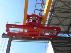 Dvounosnkoovy mostovy jerab GDMJ 50t-15,4m_02
