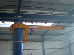 Cantilever cranes GIGA - GKOJ 2t:6m installed on a bearing column of production hall