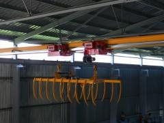 Crane GJMJ 2 x0,8t-16m with a grab