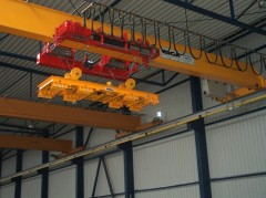 Bridge crane GJMJ 4,4t magnet, with rope stabilization